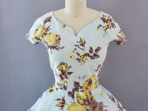 1950s Rose Print Dress | Small - image 3
