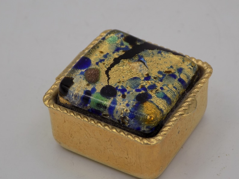 jewelry box jewelry box antique gift woman gift antique object year 1900 Murano glass very old Antique pilulier gilded brass