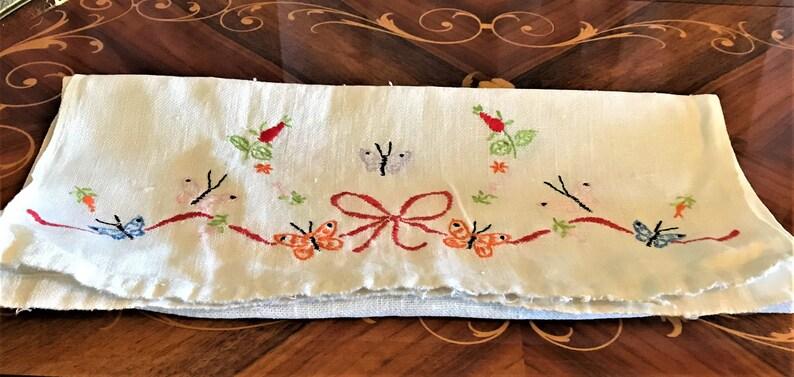 Mid-Century Cotton Linens Vintage Table Runner or Dresser Scarf Butterflies And Ribbons Decor Rectangular Hemmed Edging
