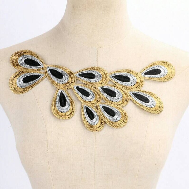 22326d13d35e 1 Lace Neckline Collar Gold Metallic Peacock Feather