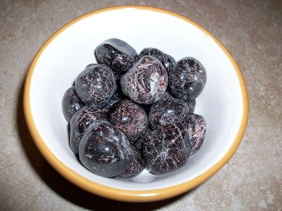 Garnet Small Tumbled Stones