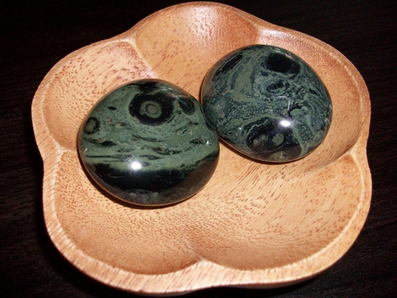 Kambaba Jasper Palm Stones