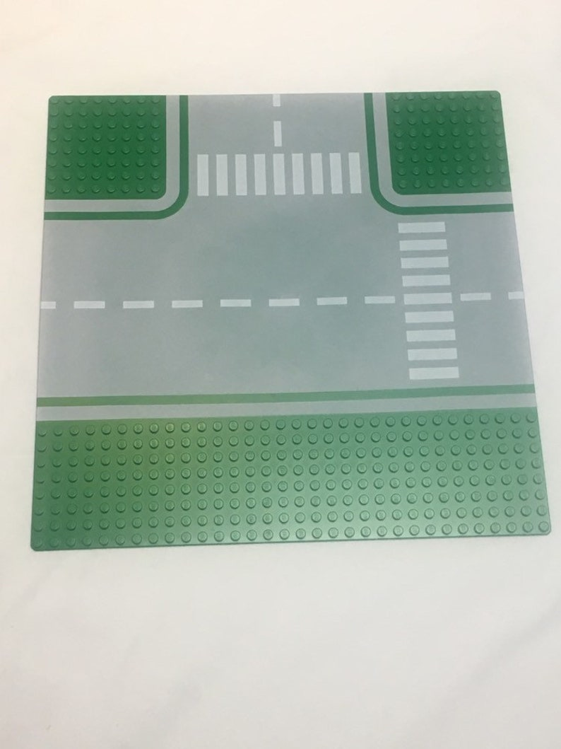 LEGO Space Baseplate 32 x 32 Road T-Junction w// Green Octagon Pattern