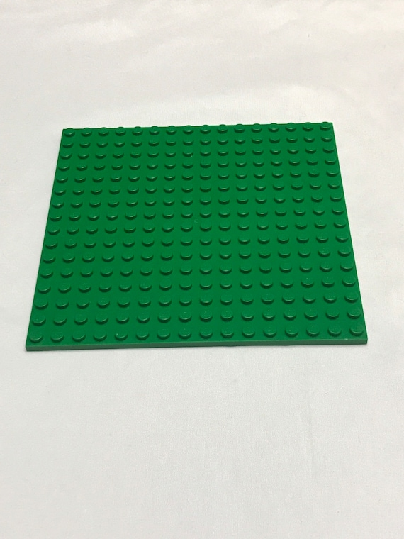 LEGO BRIGHT GREEN 16 X 16 DOT or 5 x 5 inches PLATES PLATFORM GRASS PIECE
