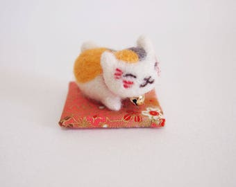 Needle Felted Cat - Felted Cat - Felt Fortune Cat - Felt Cat - Nyanko Sensei