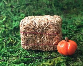 Miniature Hay Bale Fall Halloween Fairy Garden Terrarium Accessory