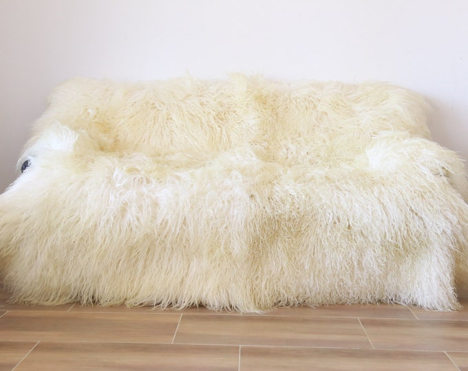 Luxurious Mongolian Sheepskin Real Fur Throw | Real Fur Blanket | Sheepskin throw | Made out of 6 sheepskins | Sexto sheepskin