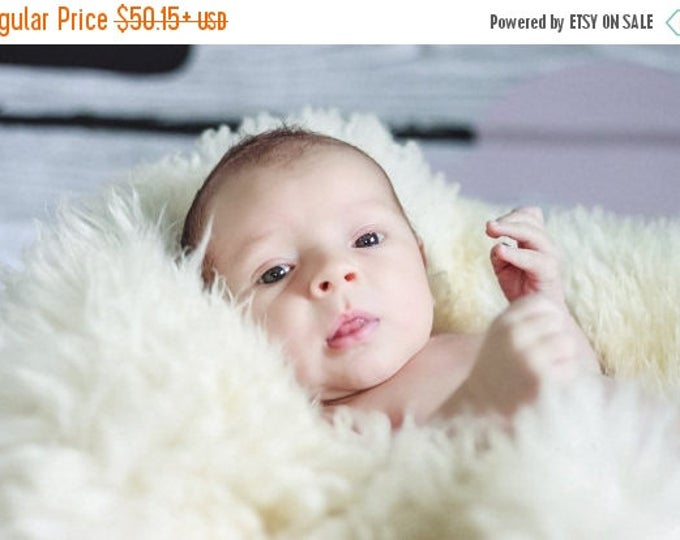 ON SALE Newborn Photography Prop Fur Photo Prop Newborn Baby Photo Prop Newborn Baby Picture Props Baby Props for Photos Baby Posing Props
