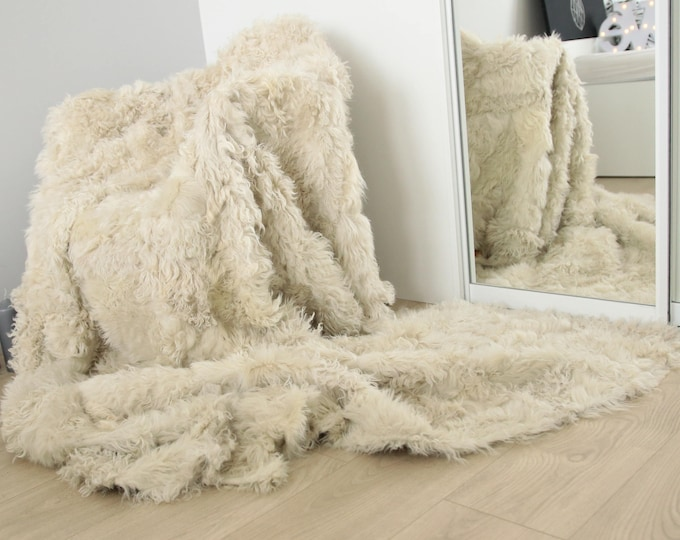 Luxury Gotland Sheepskin Real Fur Throw | Real Fur Blanket | Beige Fur Throw 200x 160cm