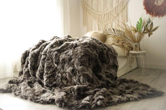 GIGANT Luxurious Patchwork Toscana Sheepskin Real Fur Throw   Real Fur Blanket   Gray Brown Sheepskin throw   Boho Throw  3FU1