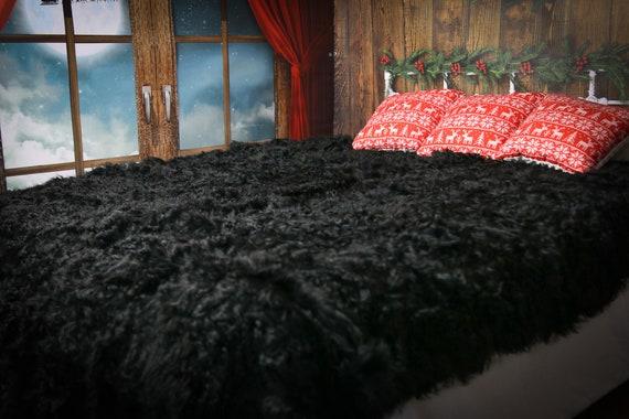 Luxurious Toscana Sheepskin Real Fur Bed Spread Throw Real Fur Blanket Sheepskin throw Sofa Cover Luxury Blanket Comforter Black Curly  Fur