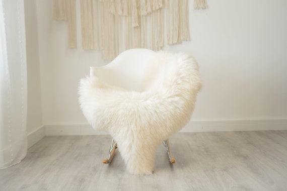 Real Sheepskin Rug Shaggy Rug Chair Cover Scandinavian Home Sheepskin Throw Sheep Skin Creamy White Sheepskin Home Decor Rugs #herdwik337
