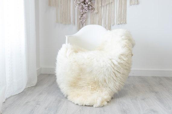 Real Sheepskin Rug Shaggy Rug Chair Cover Scandinavian Home Sheepskin Throw Sheep Skin Creamy White Sheepskin Home Decor Rugs #herdwik191