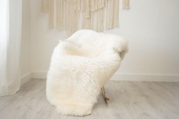 Real Sheepskin Rug Shaggy Rug Chair Cover Scandinavian Home Sheepskin Throw Sheep Skin Creamy white Sheepskin Home Decor Rugs #herdwik331