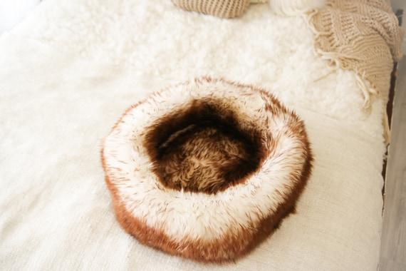 Large Sheepskin Cat bed | Sheepskin Dog bed | Cat Pouf | Dog Pouf | Sheepskin Cat Mat | Dog Mat | Brown Pet Bed | Fur Pet Bed