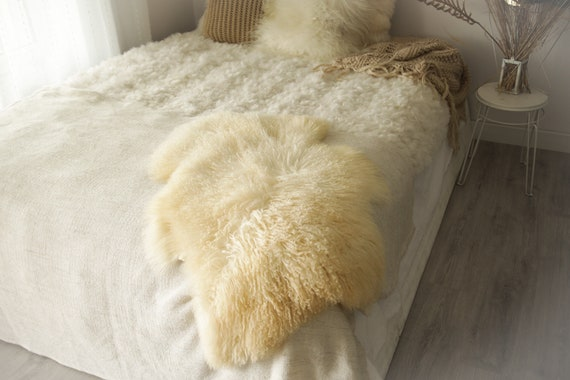 Real Sheepskin Rug Genuine Rare Gotland Sheepskin Rus - Curly Fur Rug Scandinavian Sheepvskin - White Ivory Sheepskin #0Margot1