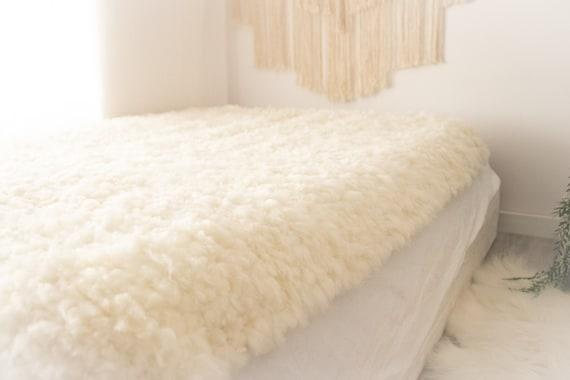 Exclusive Genuine Unique WOVEN Lamb Sheepskin, Lambskin Rug, Pelt, Throw, Blanket Giant Extra Large -Creamy White