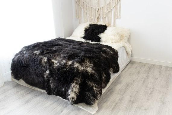 Genuine Natural Mouflon White Black Throw Merino Sheepskin Rug, Pelt,  Giant Sheepskin Rug, Large Sheepskin Rug, Sheepskin throw Sheep Skin