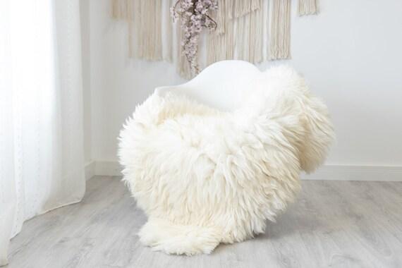 Real Sheepskin Rug Shaggy Rug Chair Cover Scandinavian Home Sheepskin Throw Sheep Skin Creamy White Sheepskin Home Decor Rugs #herdwik199