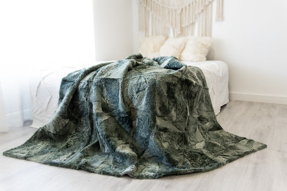 Luxurious Patchwork Sheepskin Real Fur Throw Real Fur Blanket | Sheepskin throw | Sheepskin Blanket Boho Throw Green  #FuFu113