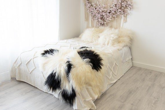 Double Icelandic Ivory Black Sheepskin Rug | Long rug | Shaggy Rug | Chair Cover | Area Rug | Double Rug | Icelandic Sheep skin #2pol6