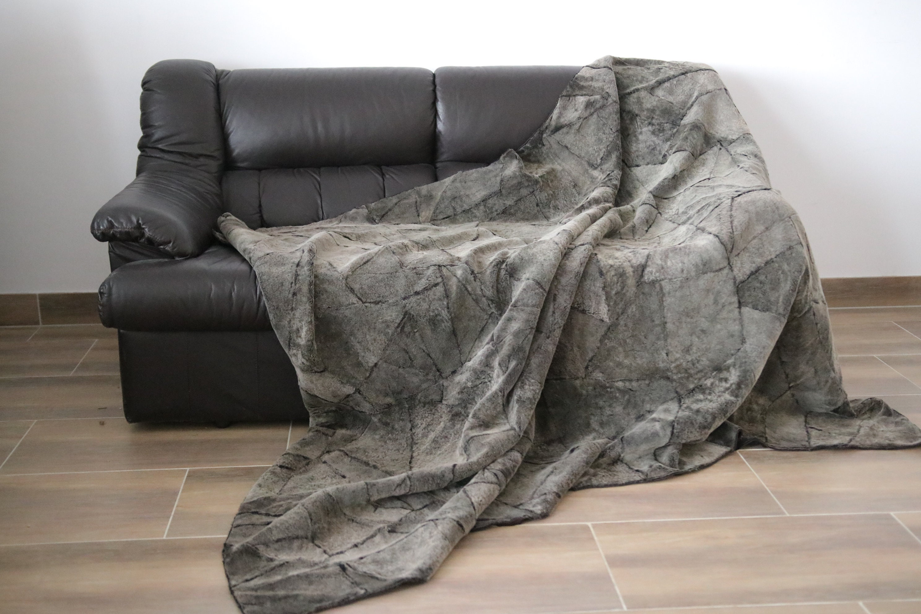 Exclusive Real Gray Sheepskin Blanket Throw, Fur Sofa Throw, Scandinavian  Decoration, Throws For Sofa, Sofa Throws, Luxury Throws