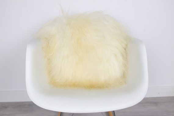 Sheepskin Fur Pillow, Real fur pillow,Ivory Fur pillow, Square sheepskin pillow, Ivory pillow, scandinavian pillow, Both side fur