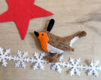 Robin, bird in felt, handmade, country style or cottagecore decoration
