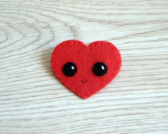 Felt brooch, cute red heart, handmade accessorie, small gift for lovers