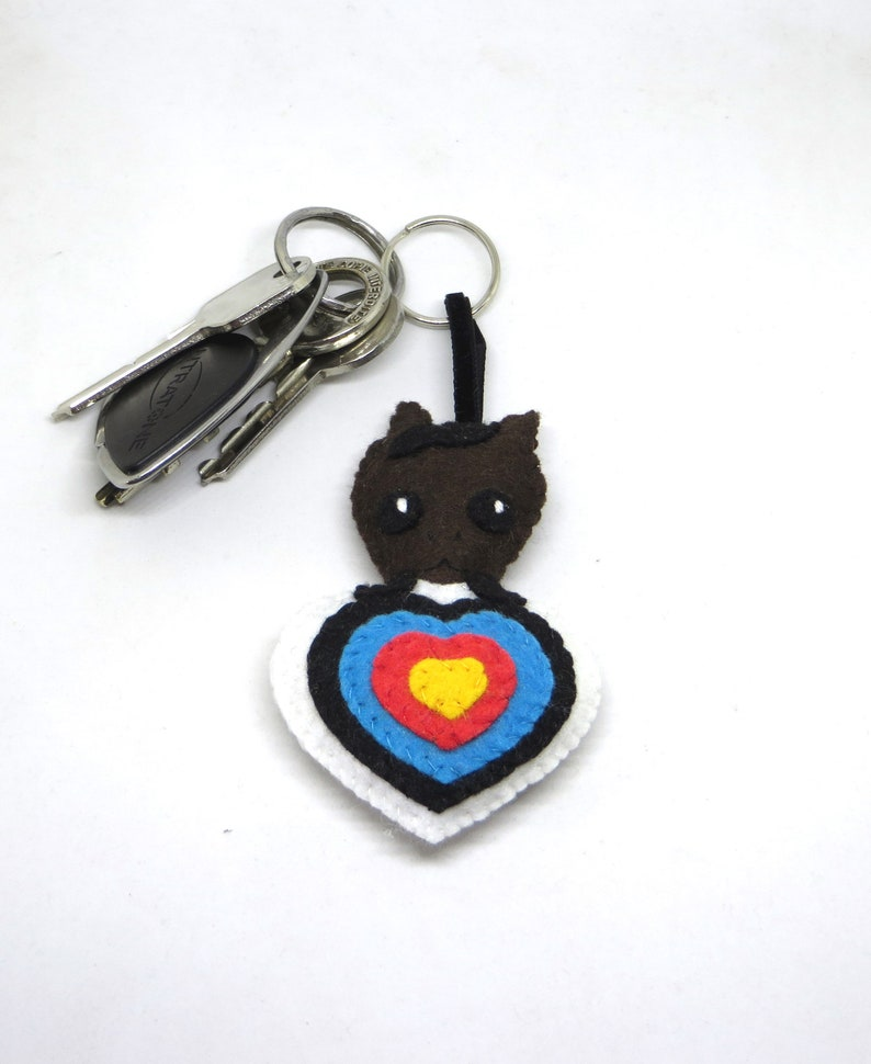 Horse keychain in an archery target heart-shaped archery image 0