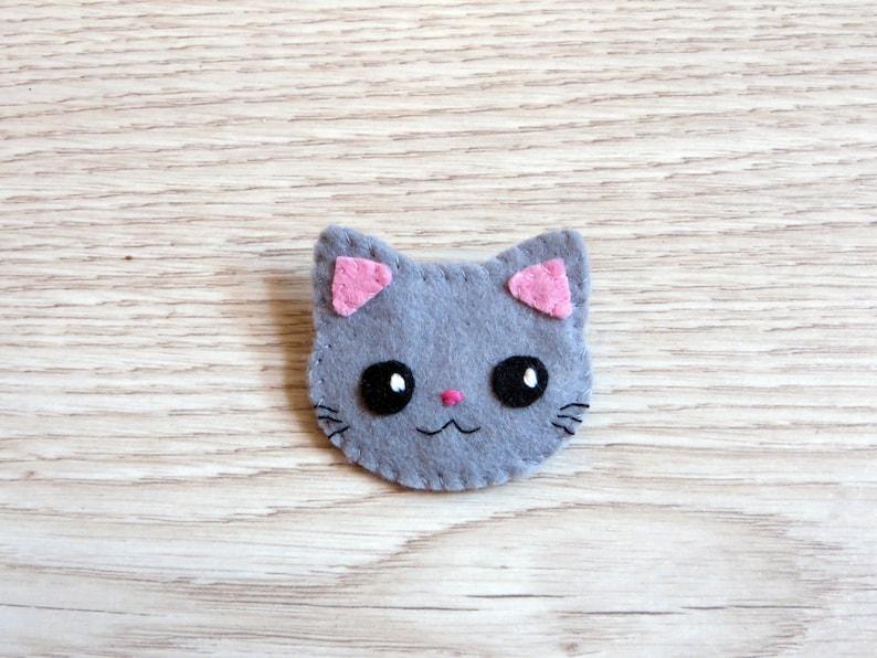 Grey cat brooch kawaii in felt handmade cat lover gift image 0