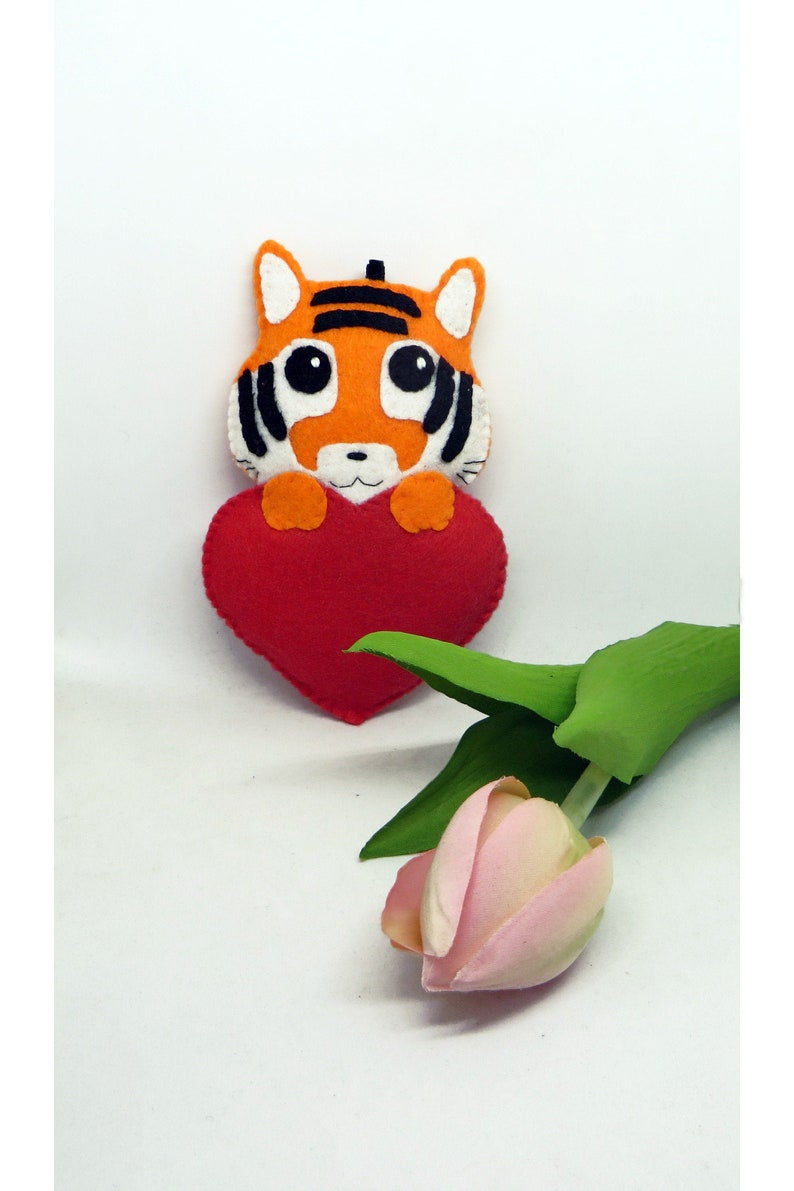 Tiger plush kawaii in a red heart to hang in felt image 0