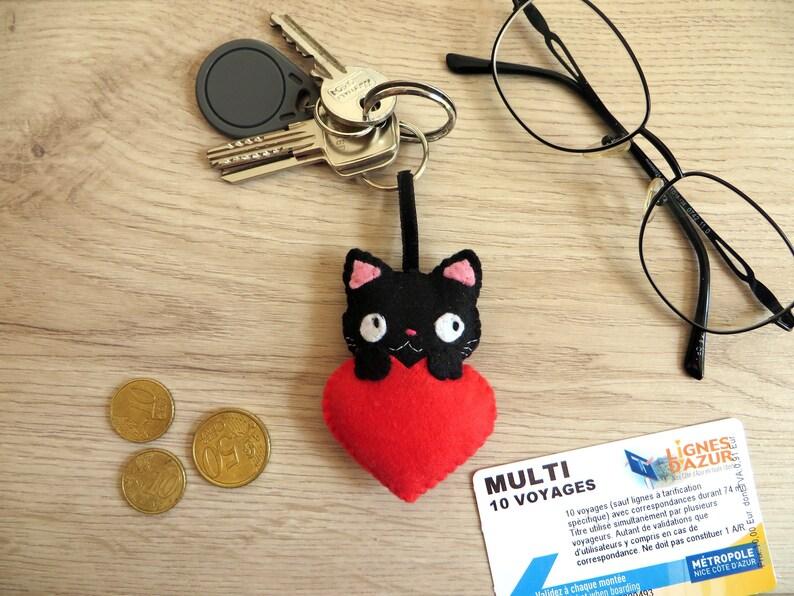 Black cat keychain kawaii in felt handmade birthday gift image 0