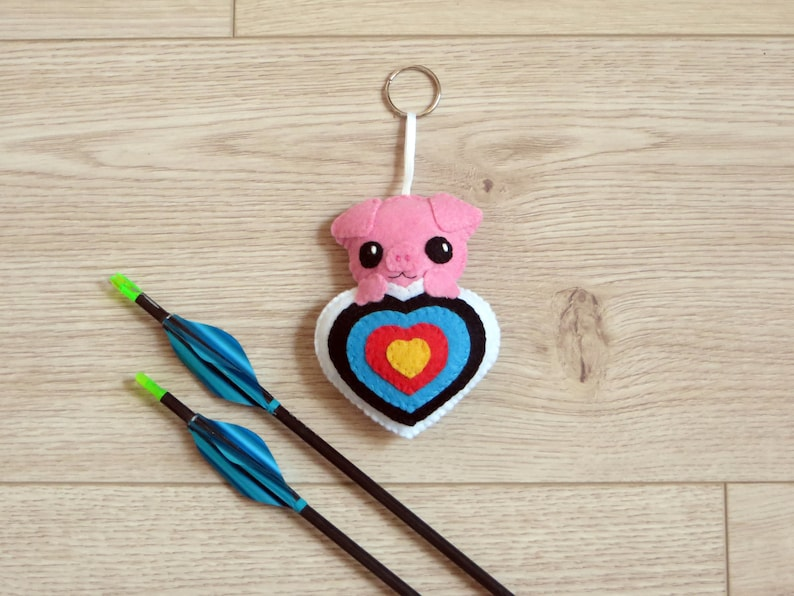 Felt archery pig for archery quiver handmade archery gifts image 0