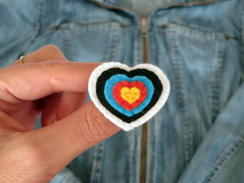 Archery target brooch heart shaped in felt handmade image 0