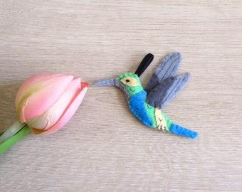 Felt hummingbird, handmade bird, small housewarming gift, tropical decoration