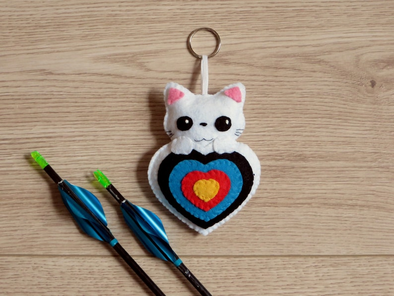 Archery ornament plush for quiver cat in a target in felt image 0