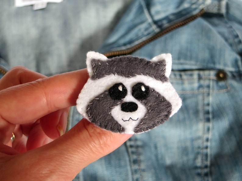 Raccoon brooch kawaii in felt handmade for children image 0