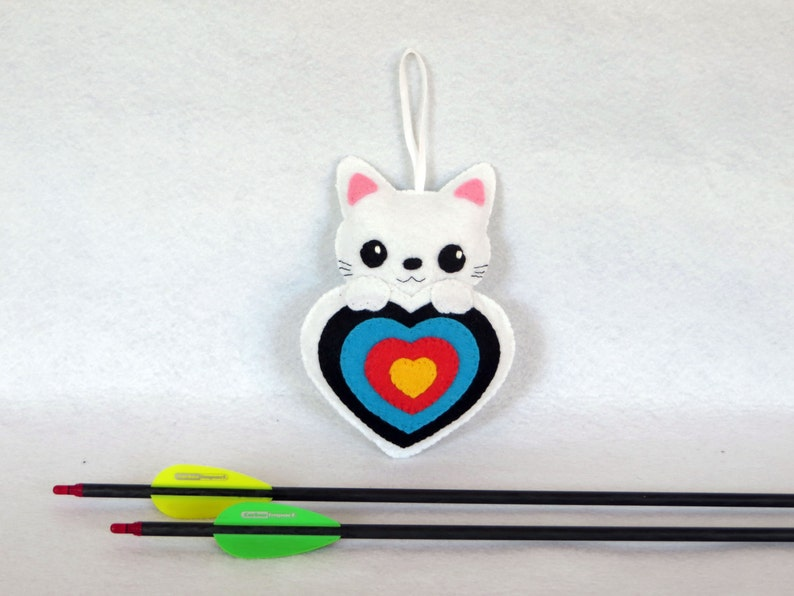 Plush for quiver cat in an archery targer in felt handmade image 0