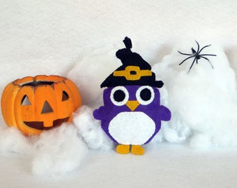 Halloween owl ornament, handmade, in felt, to hang