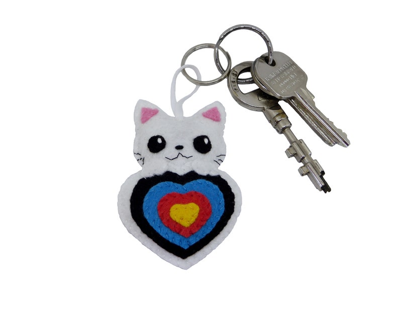Archery keychain cute cat in a target in felt handmade image 0