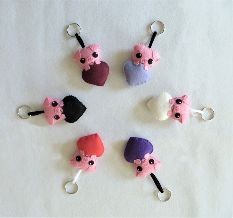 Pig in a heart keychain cute pig keychain pig gifts cute image 0