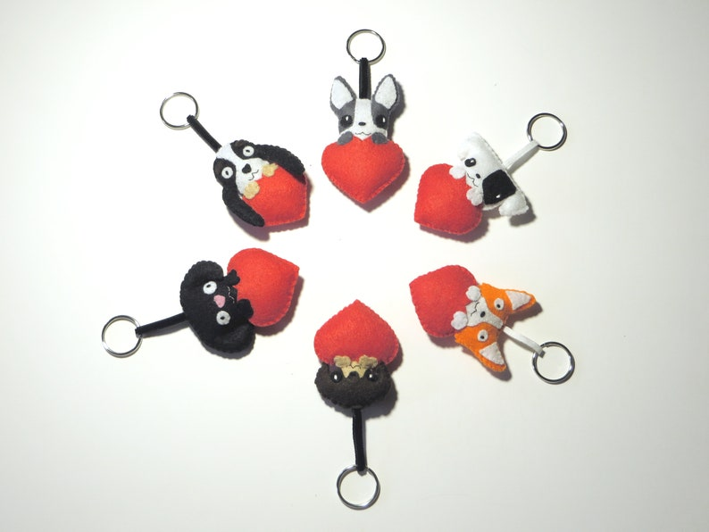 Personalized dog keychain in felt from a photo handmade image 0