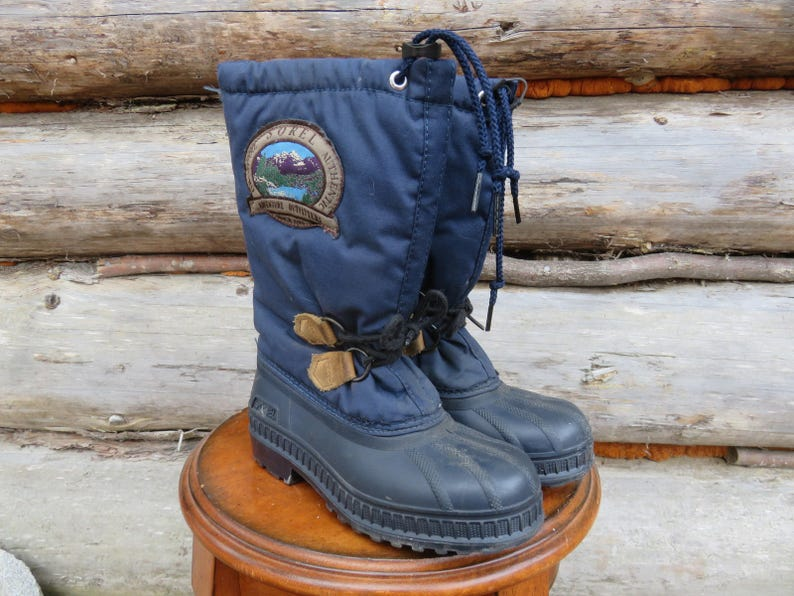 d7653ef396e Kid's Sorel Felt Lined Duck / Snow Boots. Made in Canada. Vintage Winter  Boots. Size 2 Chidrens.