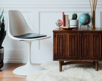 Vintage Mid Century Tulip Shell Chair - swivel base