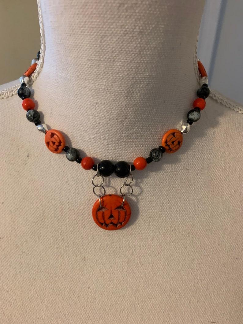 Halloween pumpkin necklace creepy. goth Eerie jewelry beaded necklace Halloween pumpkin choker