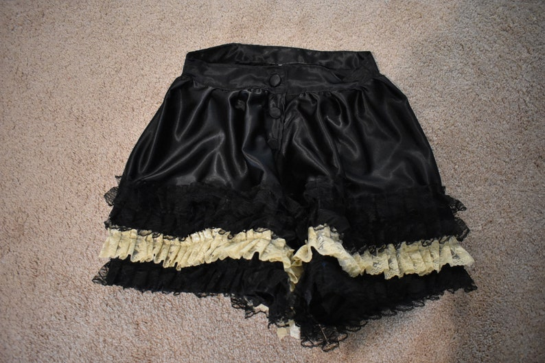 Pantalettes; Bloomers; Pantaloons; Victorian Underwear; Steampunk; Westworld; Clementine Pennyfeather; Maeve Millay; Saloon Girl