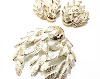 Vintage Monet Demi Parure Brooch & Earrings Set. Gold tone with matte white enamel. EVC