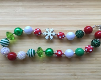 Christmas Chunky Necklace Snowflake Red Greens & White Beads Necklace Chunky Bubblegum Bead Necklace Childrens Costume Jewelry Fall Birthda