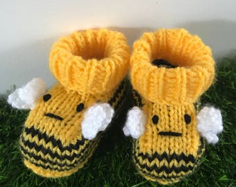 Knitted baby booties bumble bee baby shoes socks handmade knitted gift baby girl baby boy baby shower animal boots baby gift